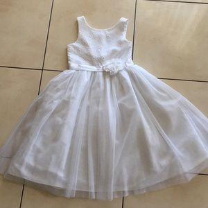 🎉🎉Gorgeous white girls dress